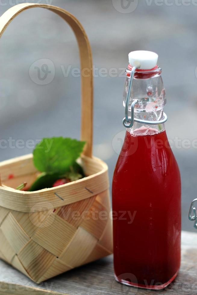 Strawberry juice photo