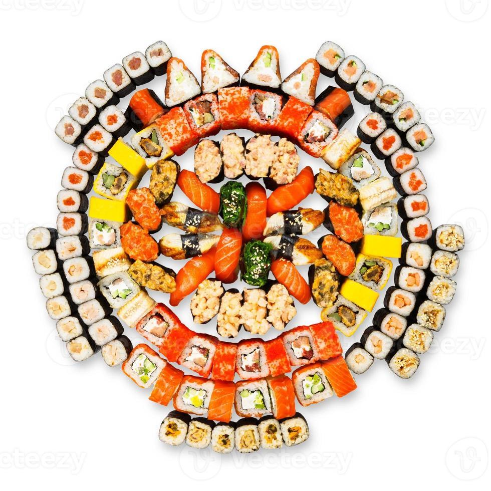 Gran conjunto de sushi, maki, gunkan y rollos aislados foto