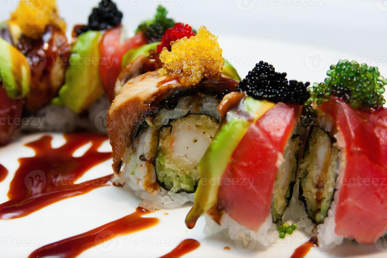 rollo de sushi de cerca foto