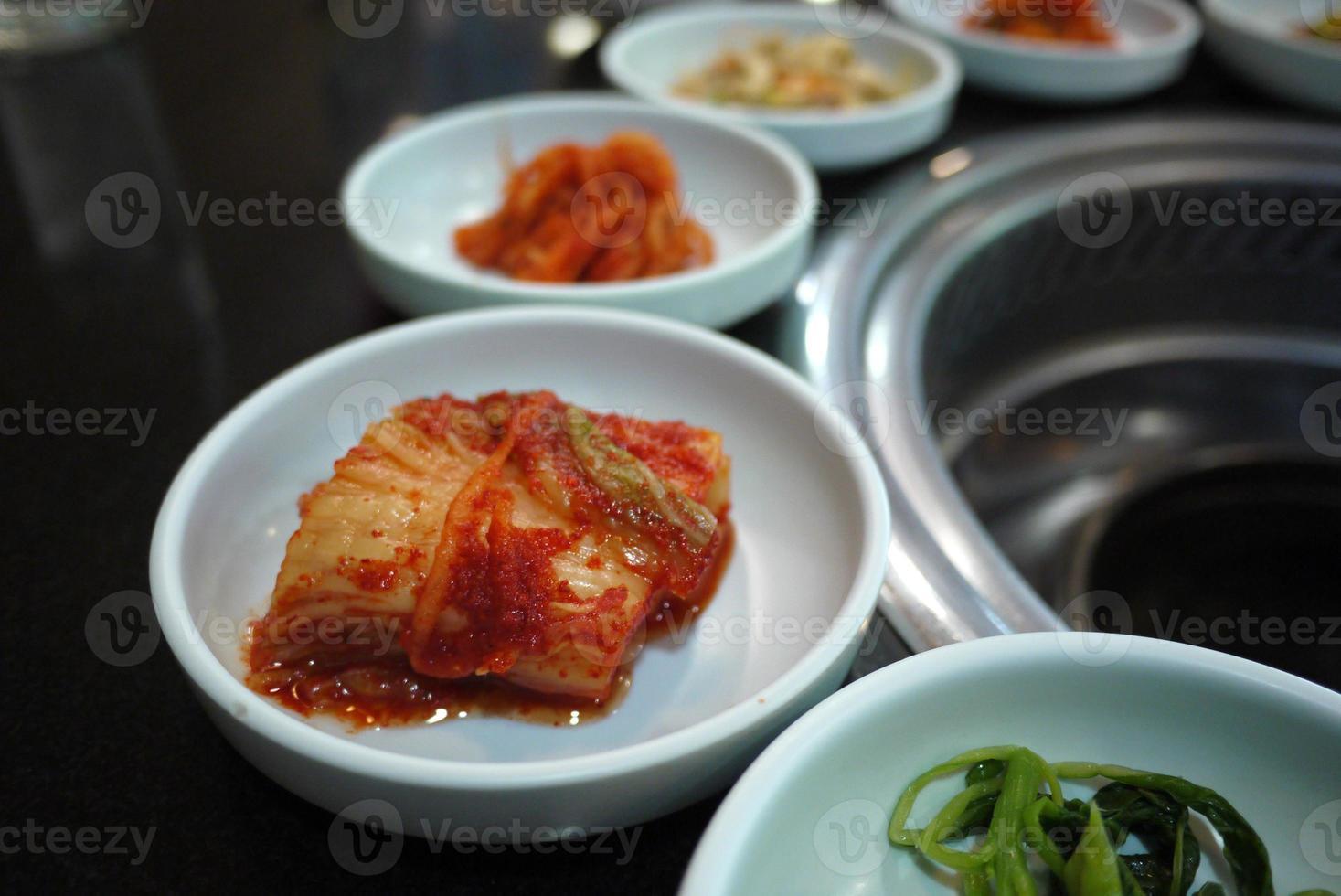 kimchi cocina coreana barbacoa parrilla foto