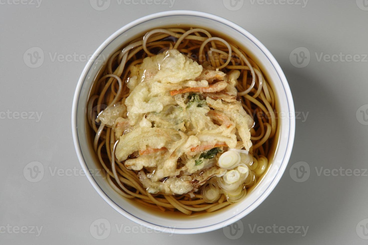 Mixed-vegetable-tempura noodles photo