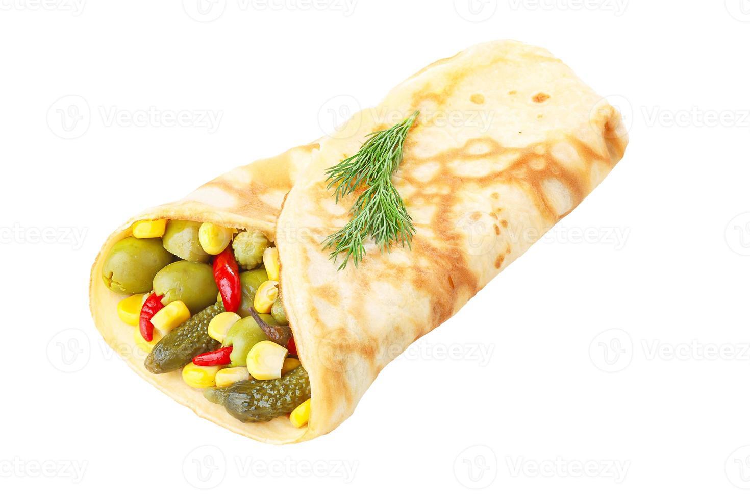crepe vegetariano relleno de verduras en escabeche foto