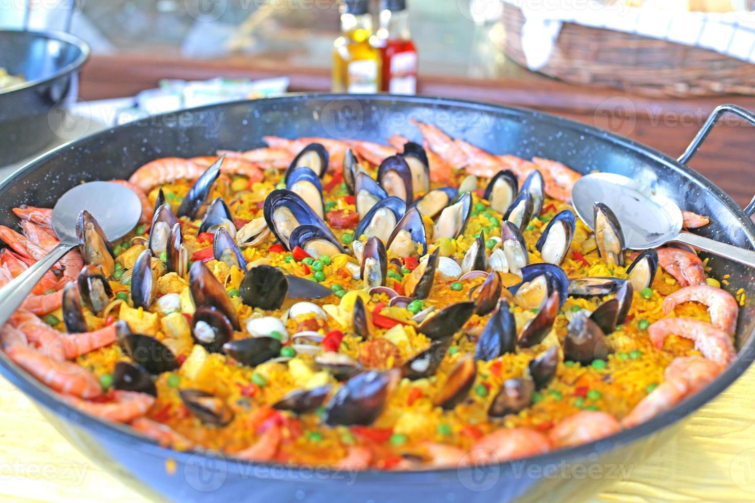 plato de paella foto