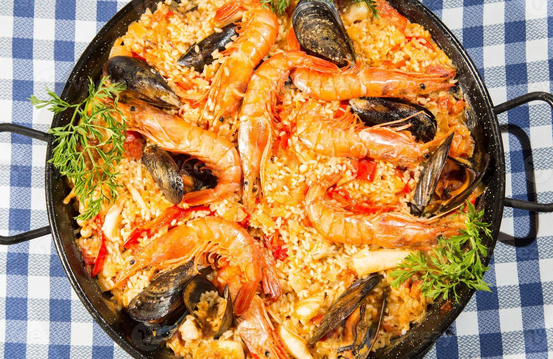Paella Valenciana photo