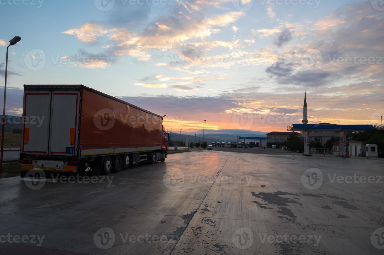 truck transportation photo