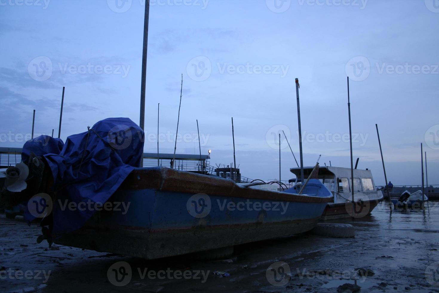 barcos de pescadores foto