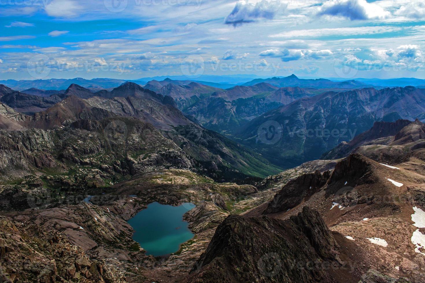 cumbre de la montaña de roca de colorado foto
