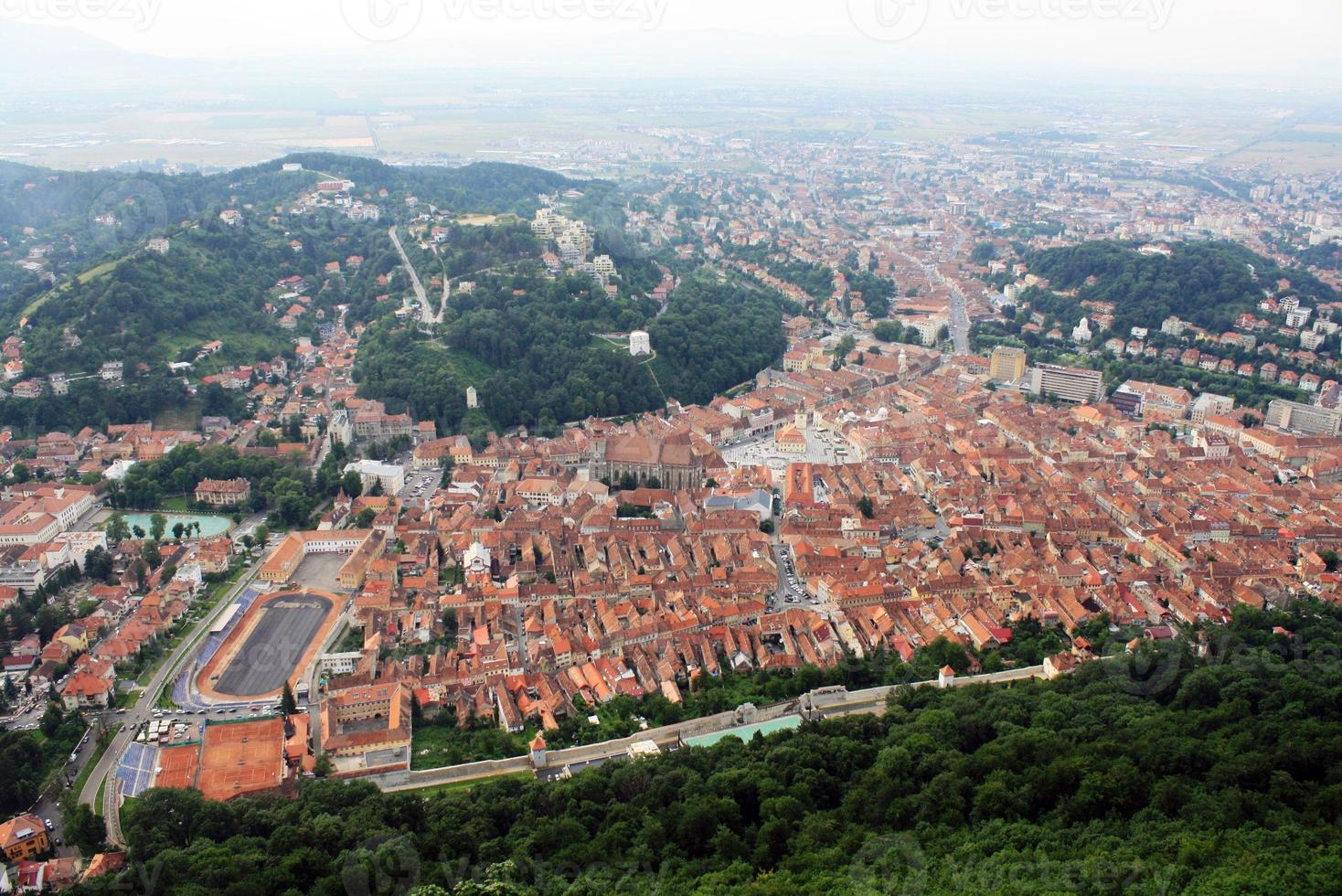 centro histórico de brasov, vista desde la colina de tampa foto