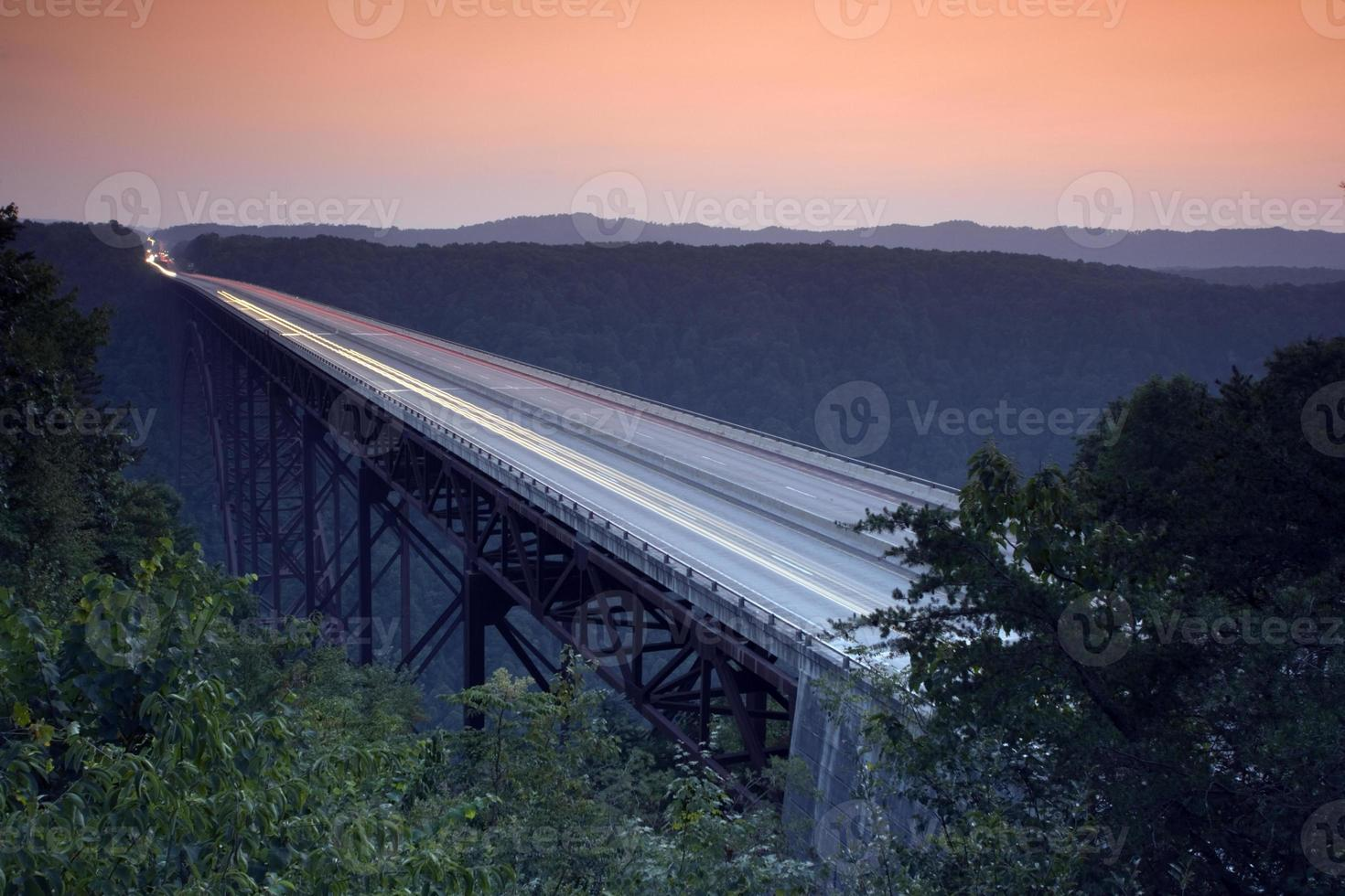 nuevo puente del cañón del río - virginia occidental foto