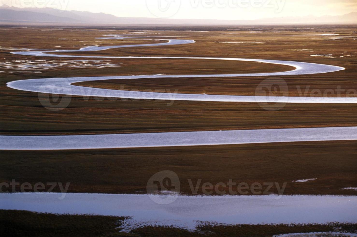 gebogen rivier foto