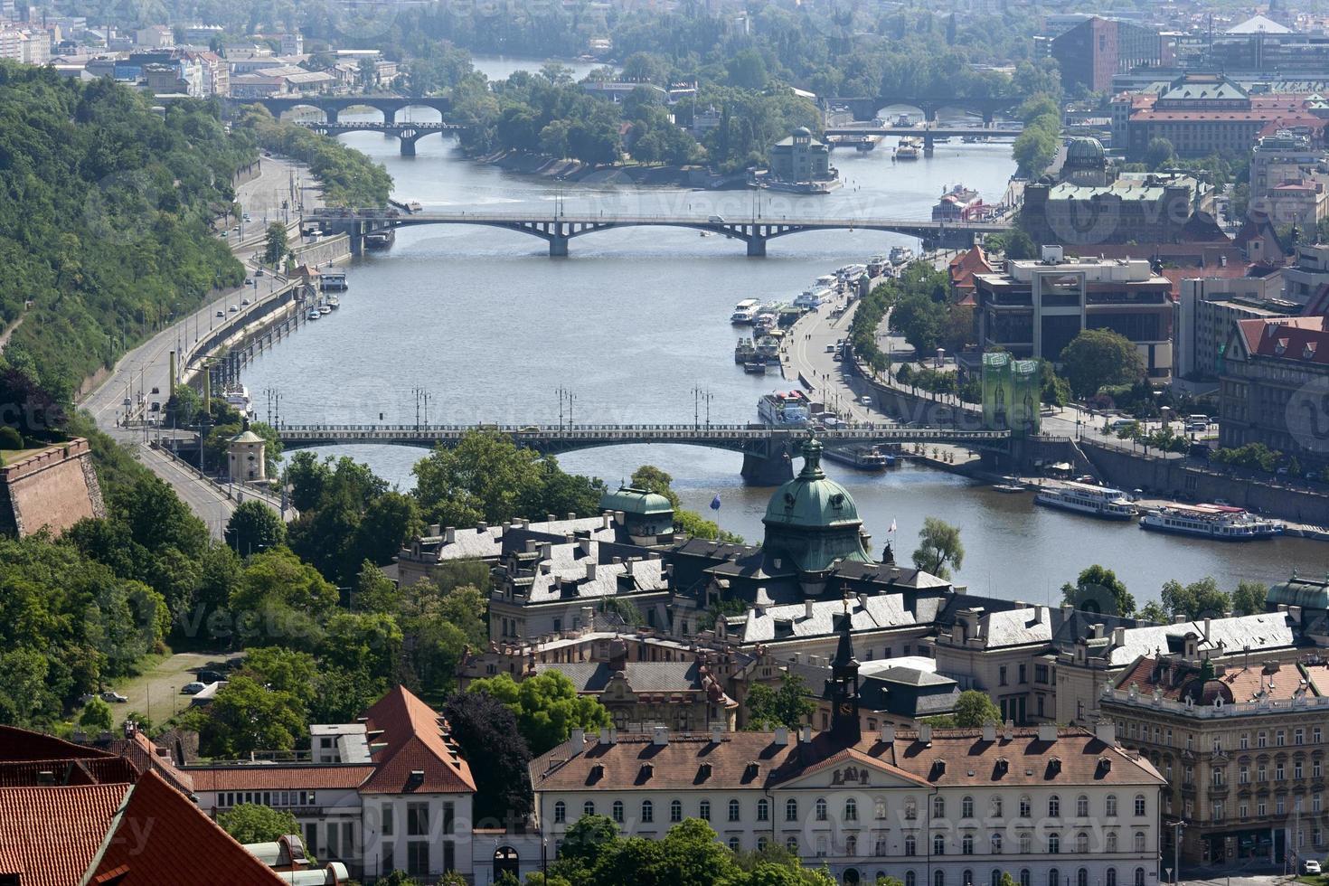 Praga y el río Moldava foto