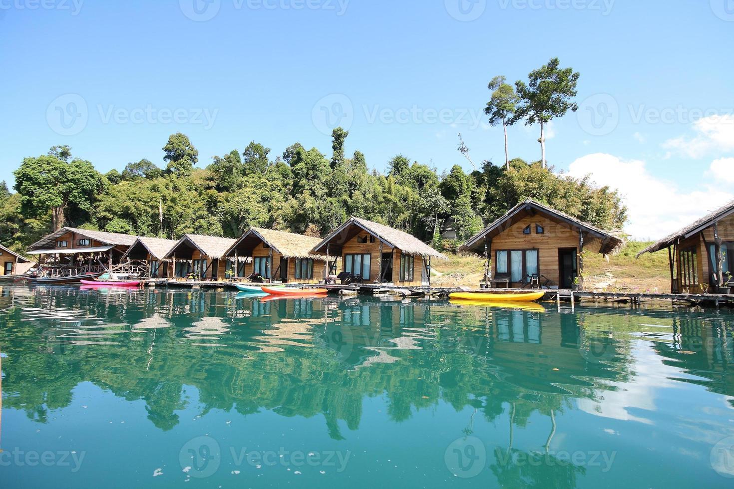 houseboat photo