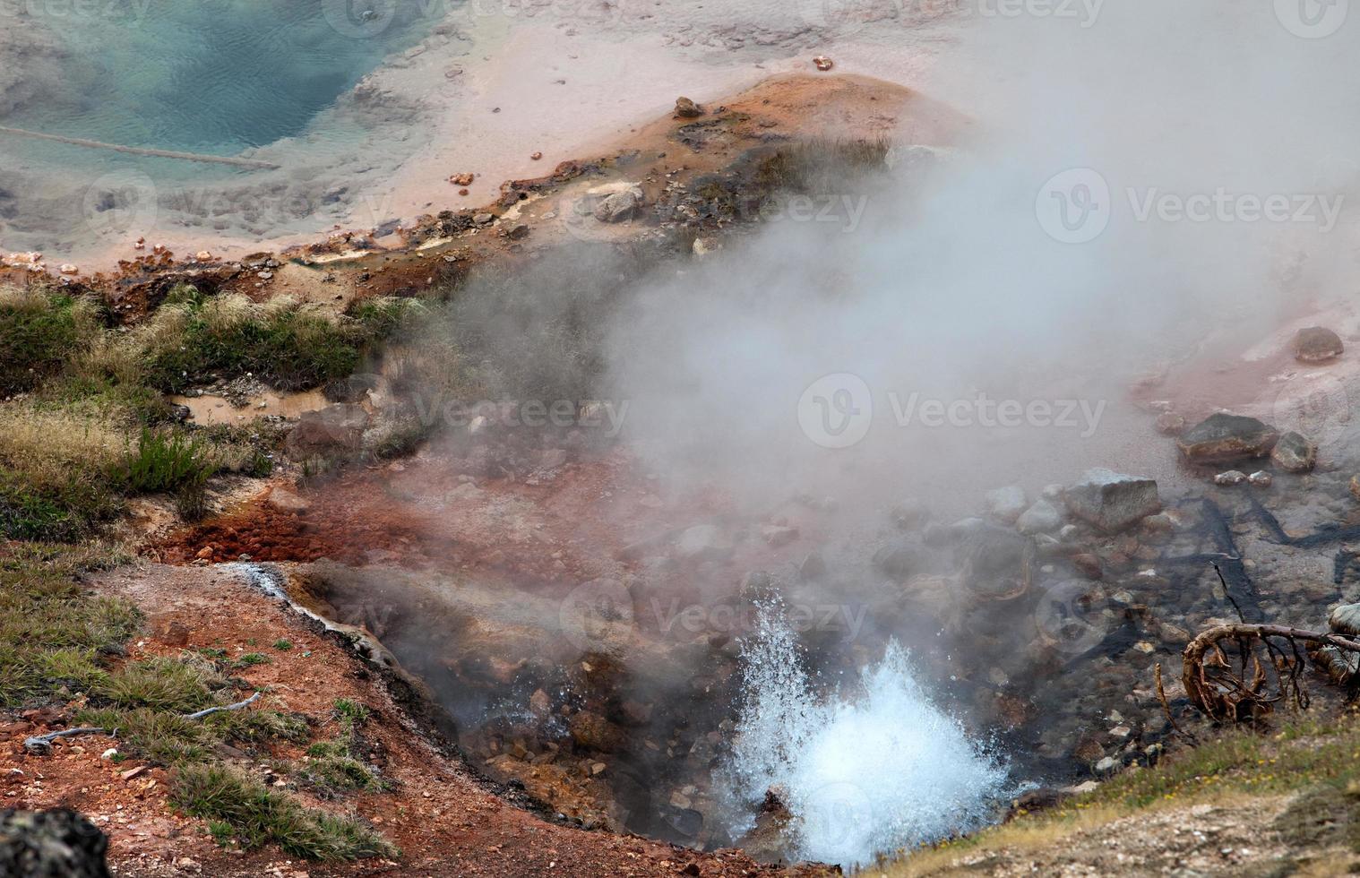 aguas termales de yellowstone foto