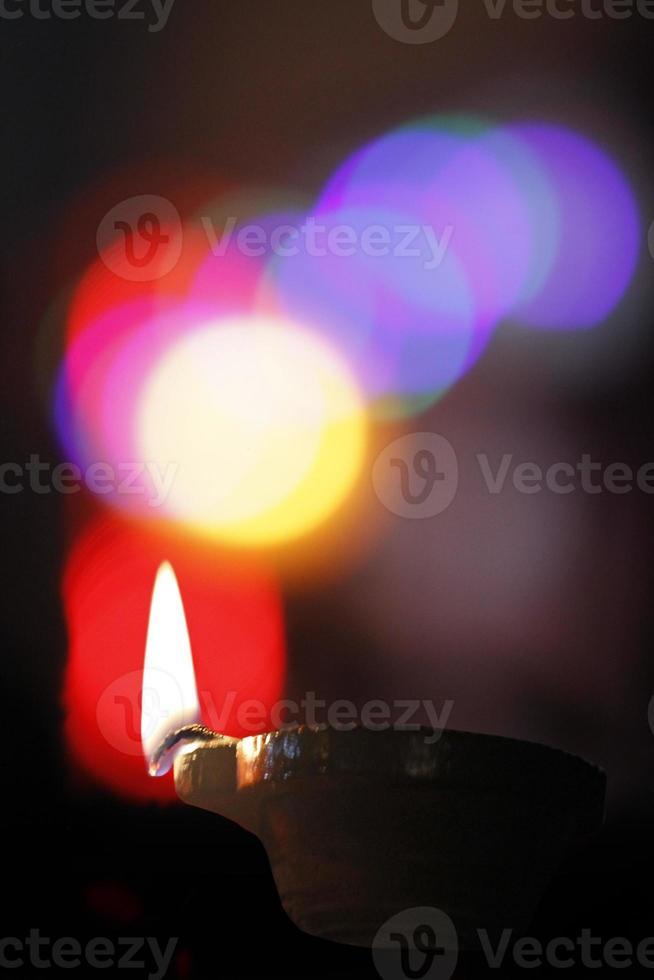 Lámpara de aceite en el festival de Diwali, India. foto