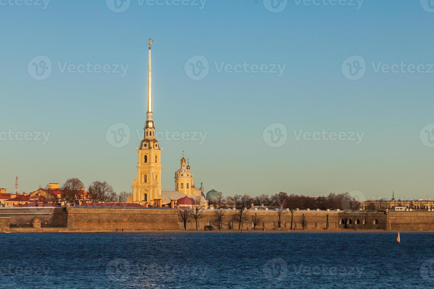 peter y paul fortaleza en st. Petersburgo, Rusia foto