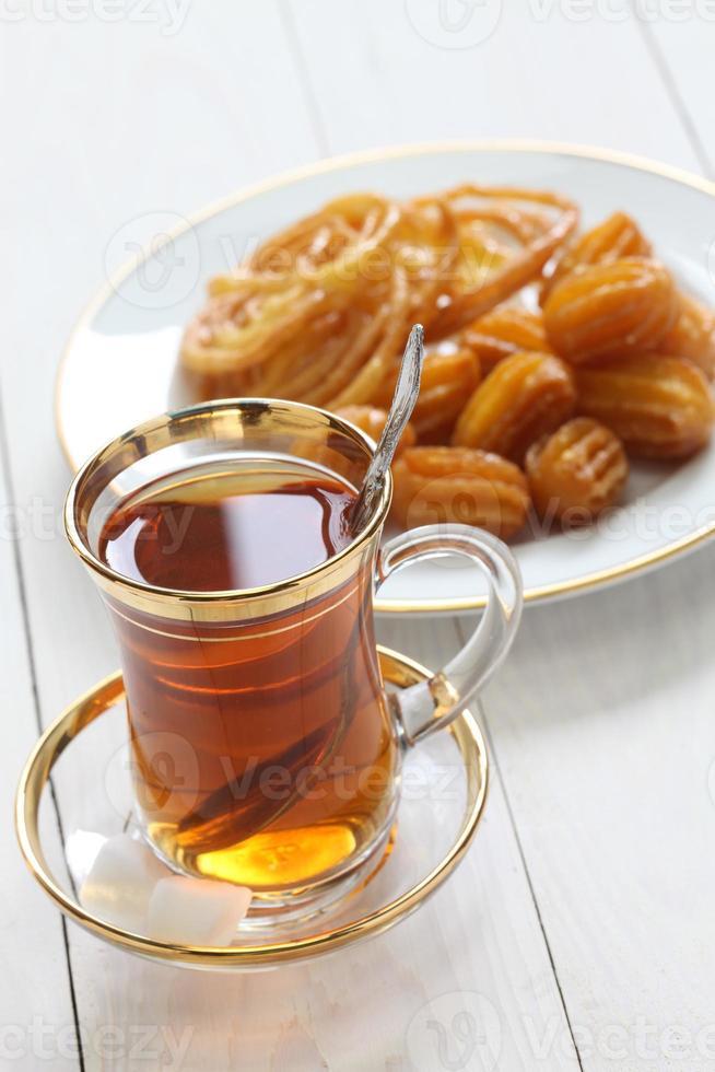 té iraní y dulces foto