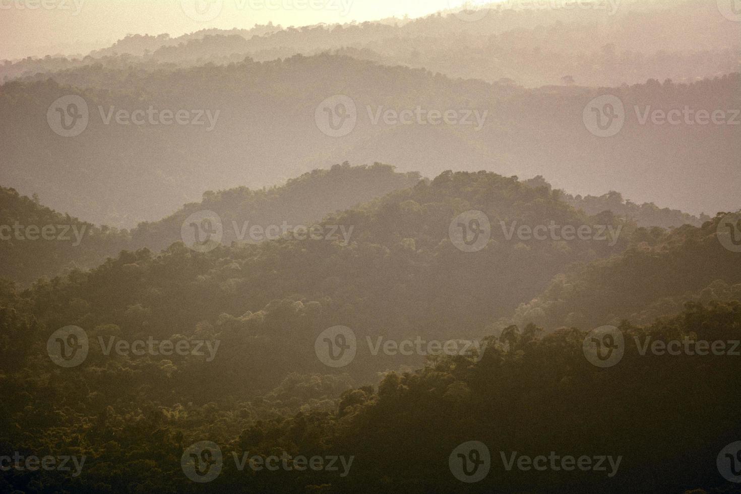 viejo paisaje de montaña foto