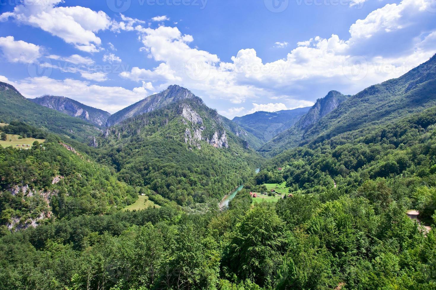 paisaje de montaña, montenegro foto
