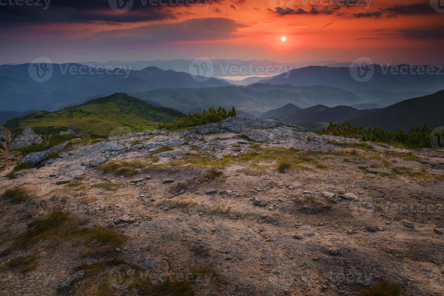 mañana paisaje de meseta de montaña foto