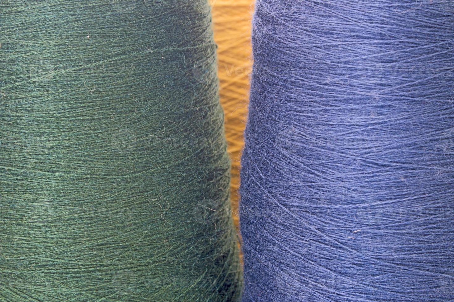 fondo verde y azul de hilos e hilados foto