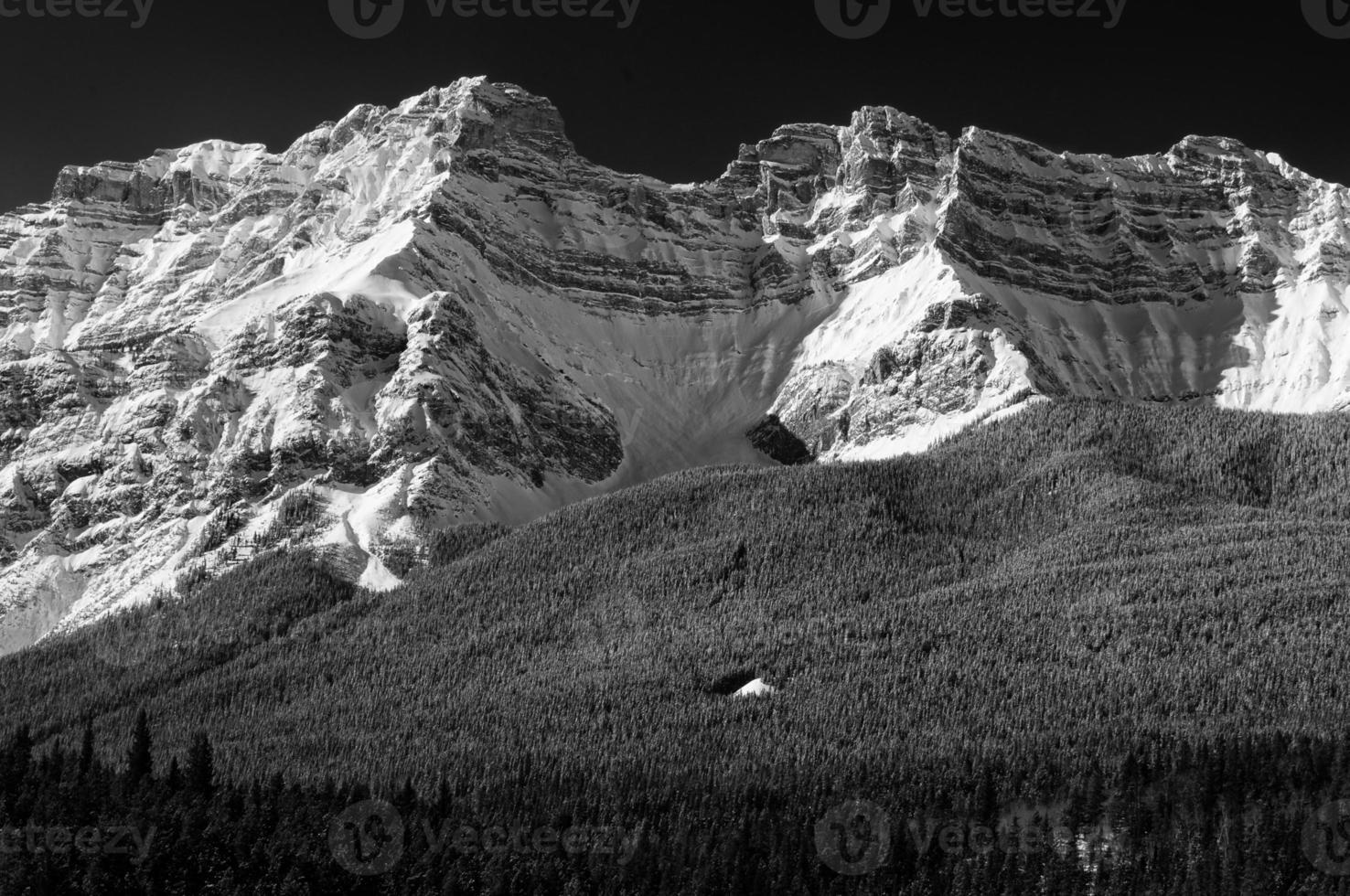 montaña en cascada, invierno parque banff foto