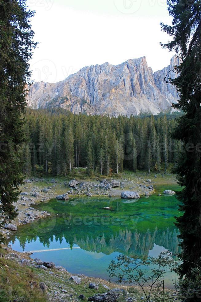 Lake Carezza photo