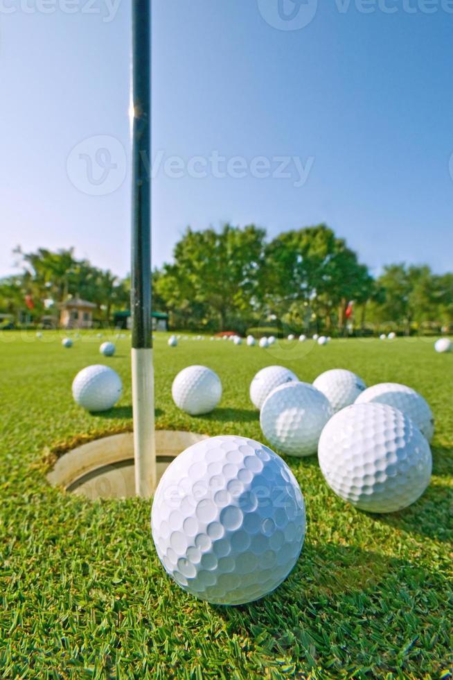 práctica de golf putting green foto