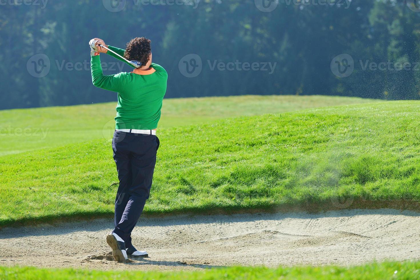jugador de golf poniendo foto