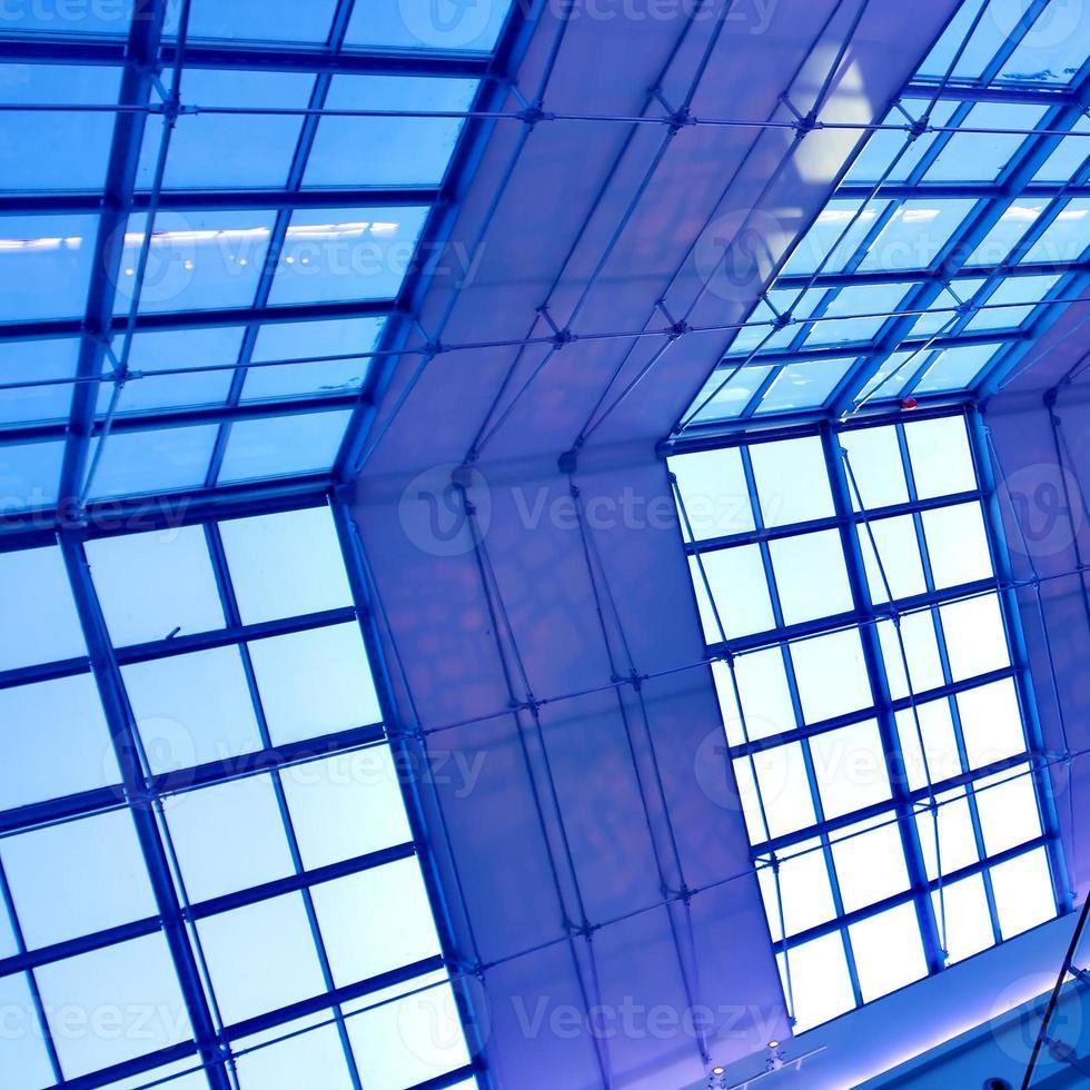 techo azul moderno en la oficina foto