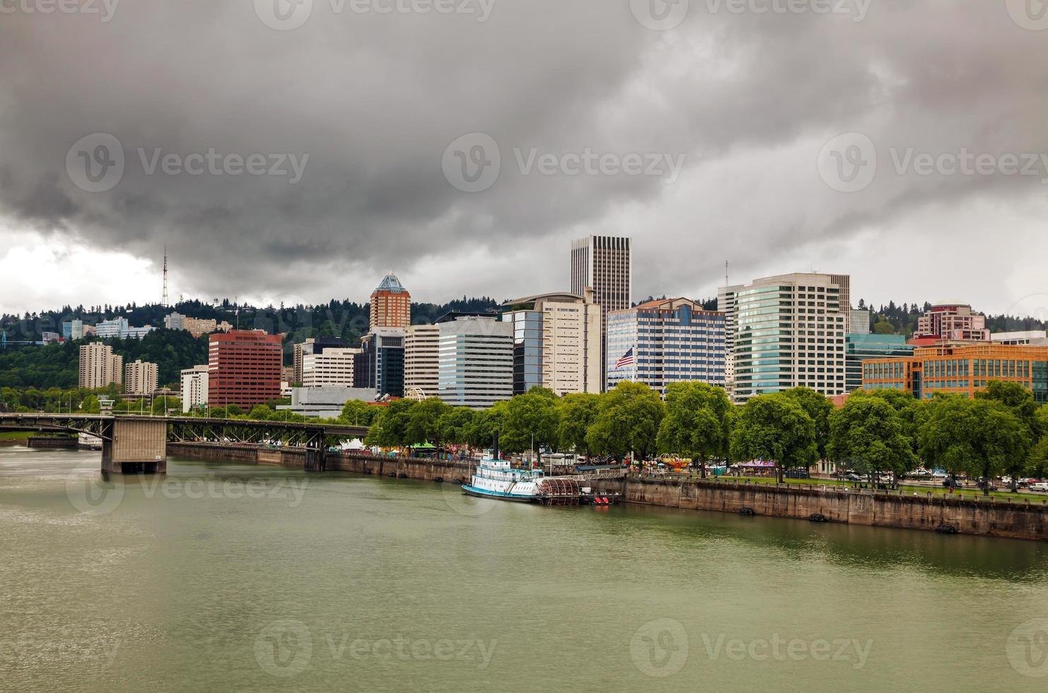 paisaje urbano del centro de portland foto