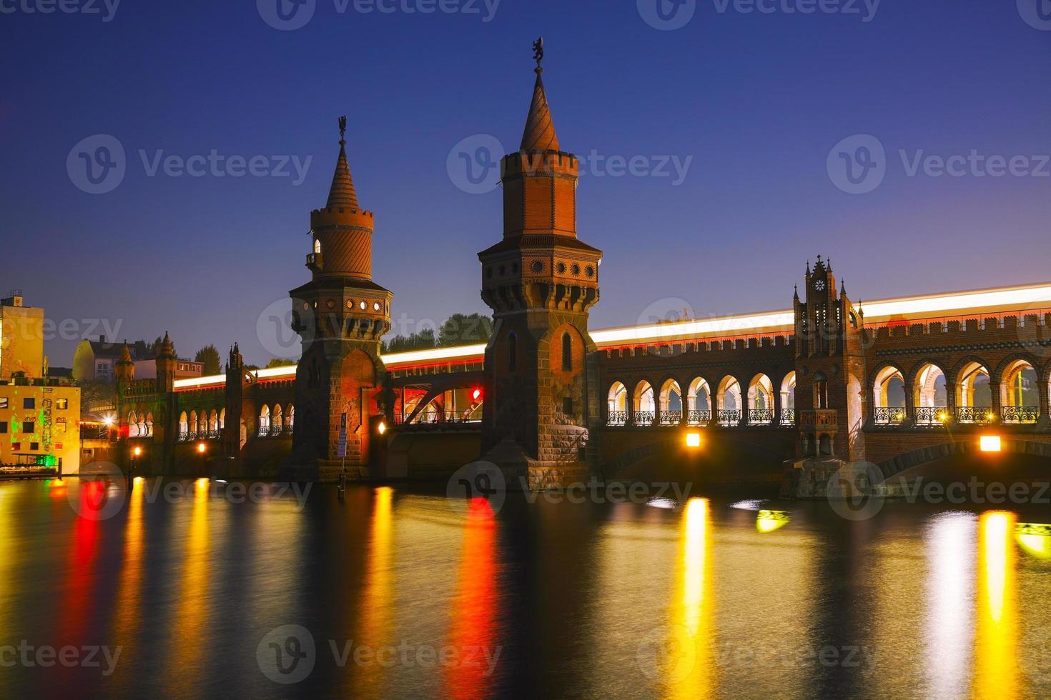 Oberbaum bridge in Berlin photo