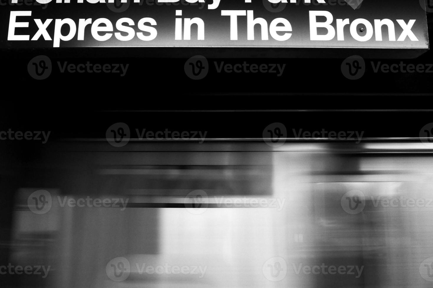 nueva york, metro al bronx foto