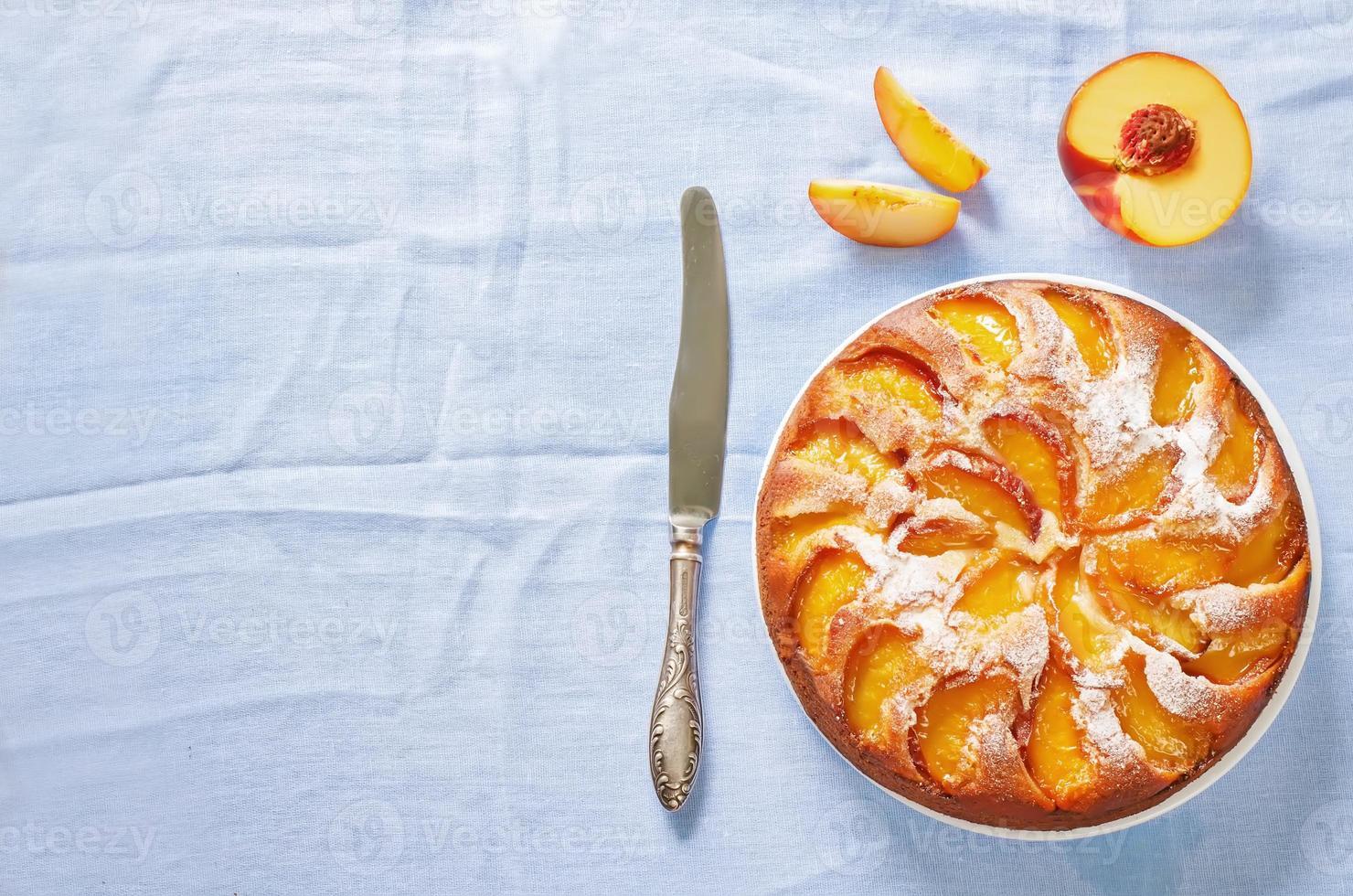 pastel con duraznos foto