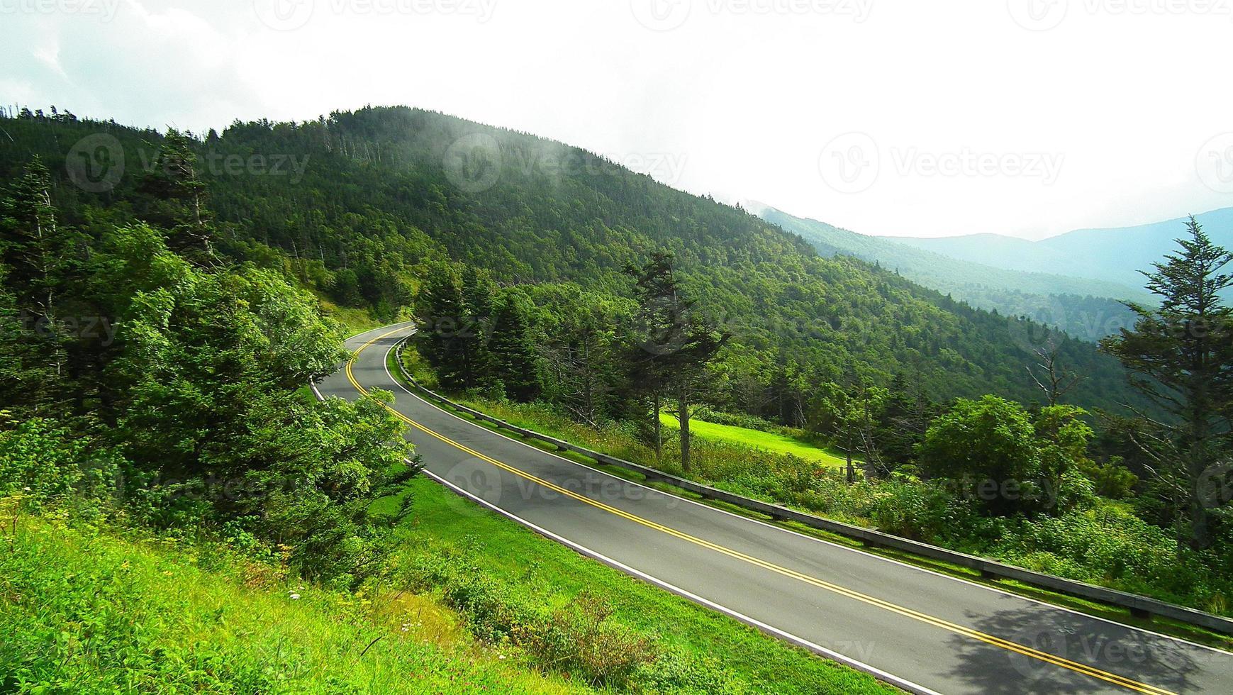 Mountain rode photo