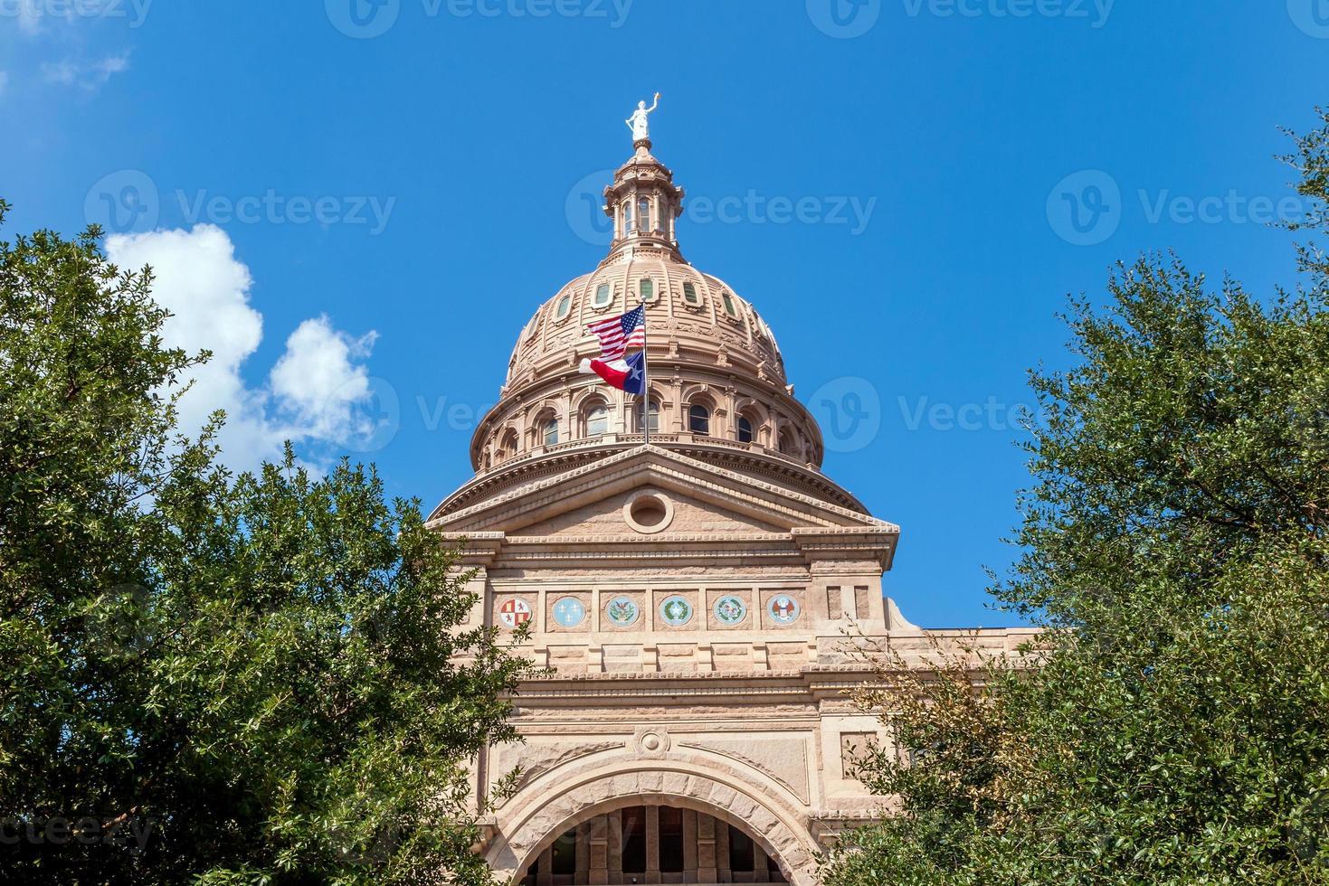 edificio del capitolio del estado de texas en austin foto
