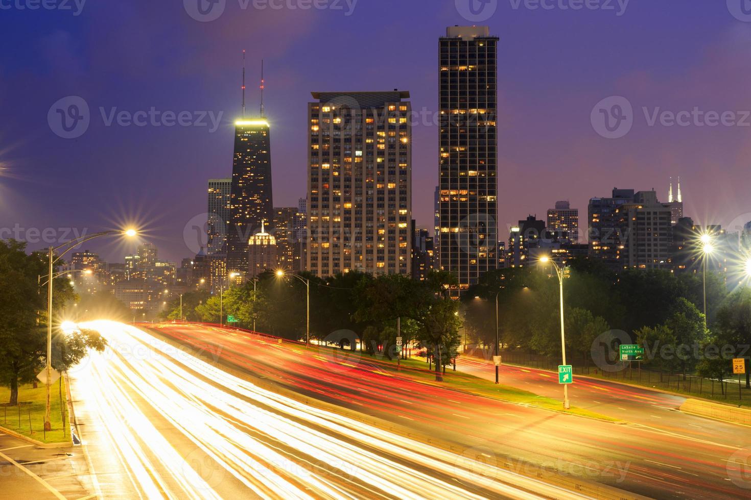 Chicago never sleeps photo