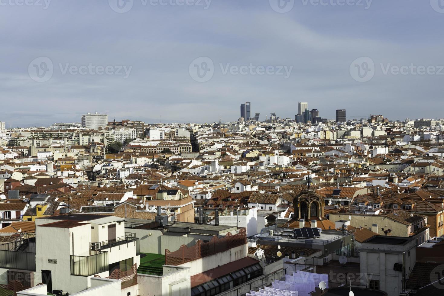 vista aérea do horizonte de madrid foto