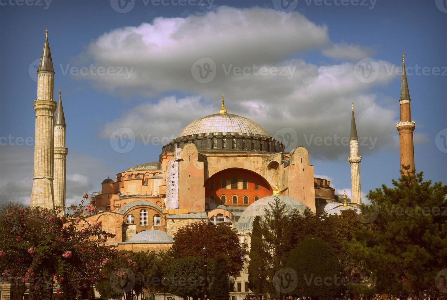 exterior da hagia sophia em sultanahmet foto