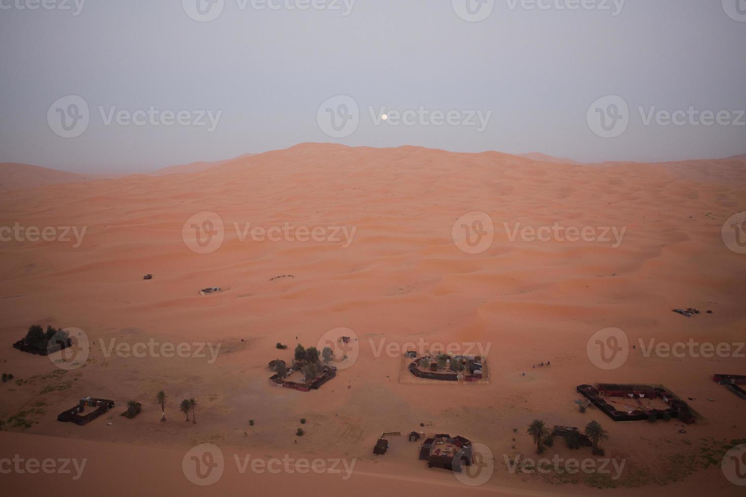 desert land photo