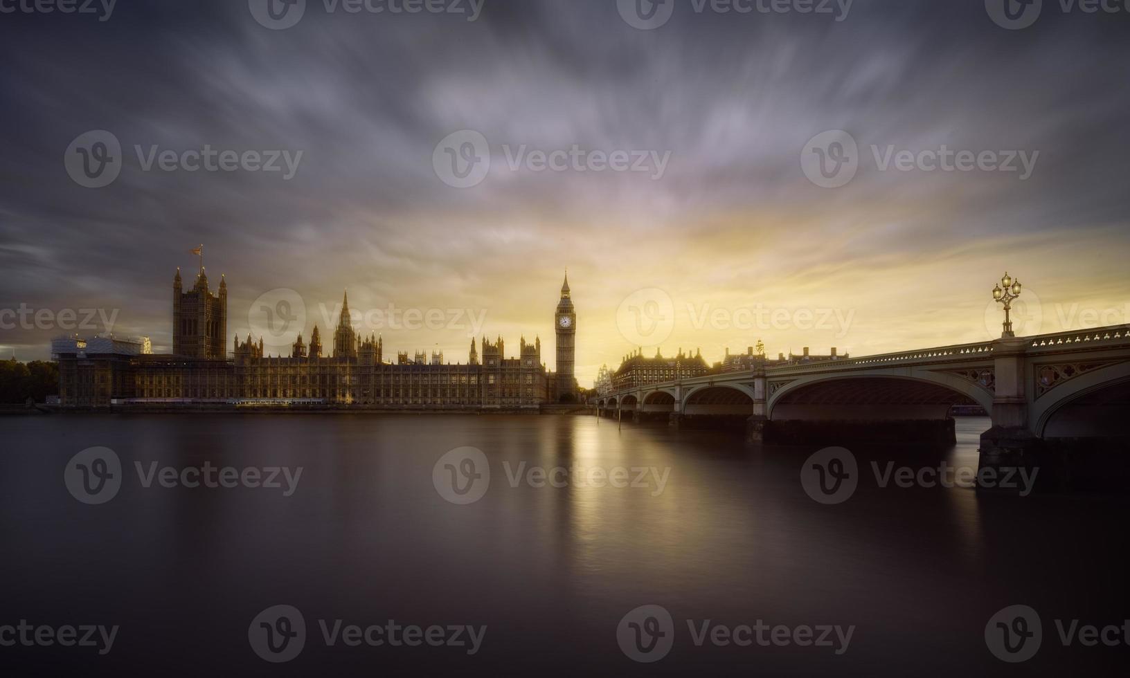 London sunset photo