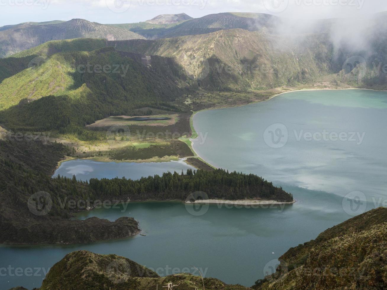 lagoa azul lago, al oeste de la isla s.miguel, las azores foto
