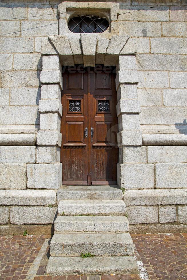 Puerta en Italia columna de Lombardía la ventana vieja de milano foto