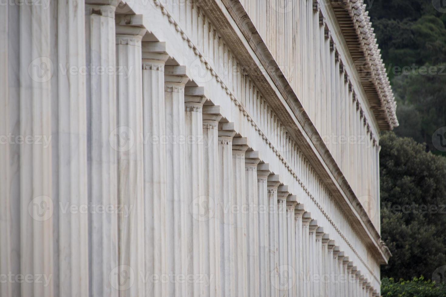 exterior de mármol stoa de columnata de attalos foto