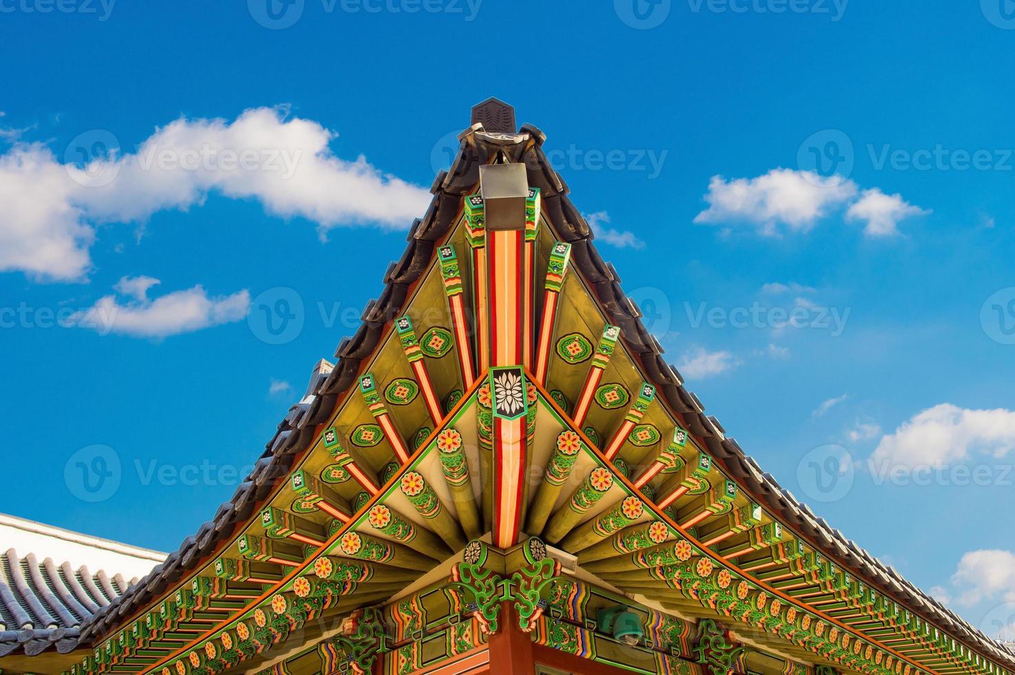 techo del palacio gyeongbokgung en seúl, foto