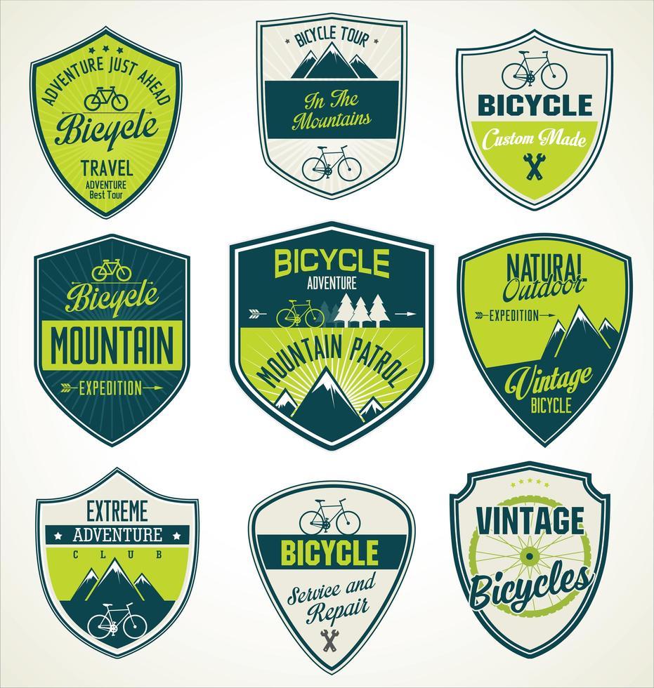 set van outdoor avontuur retro labels vector