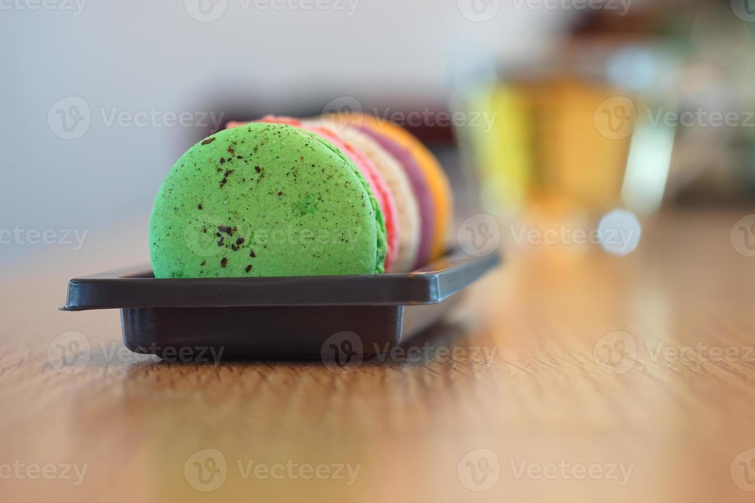 primer plano de macarrones de colores foto