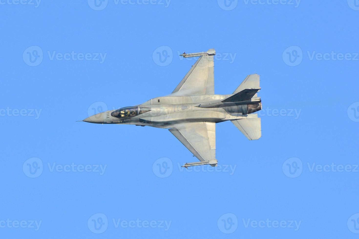 F-16C Block 52+ falcon photo