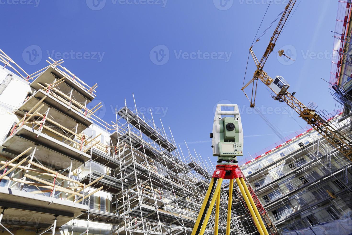 estación total y construcción foto
