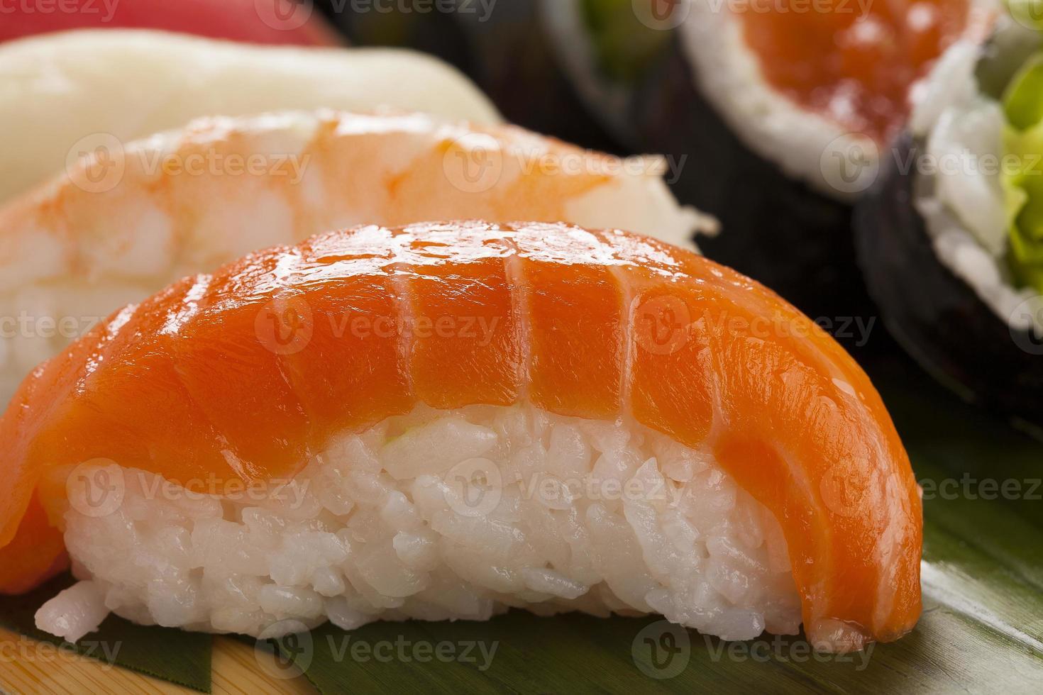 la composición de nigiri sushi foto