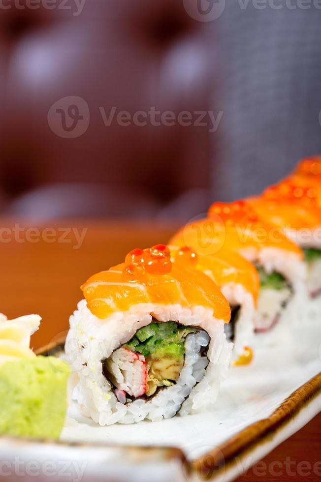selección de surtido de combinación de sushi fresco foto